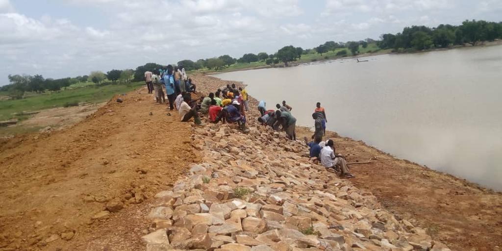 Dammen Bouwen in Burkina Faso